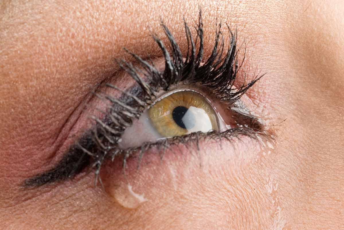 Green eye with a tear - LMEC